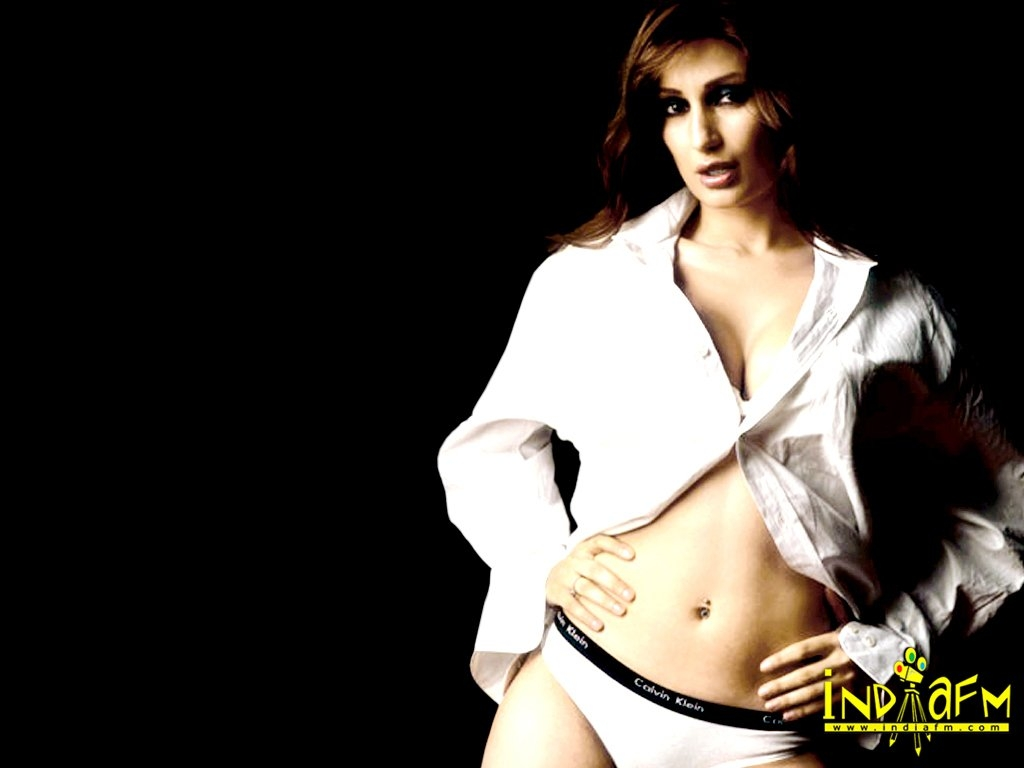 Negar khan nude wallpapers