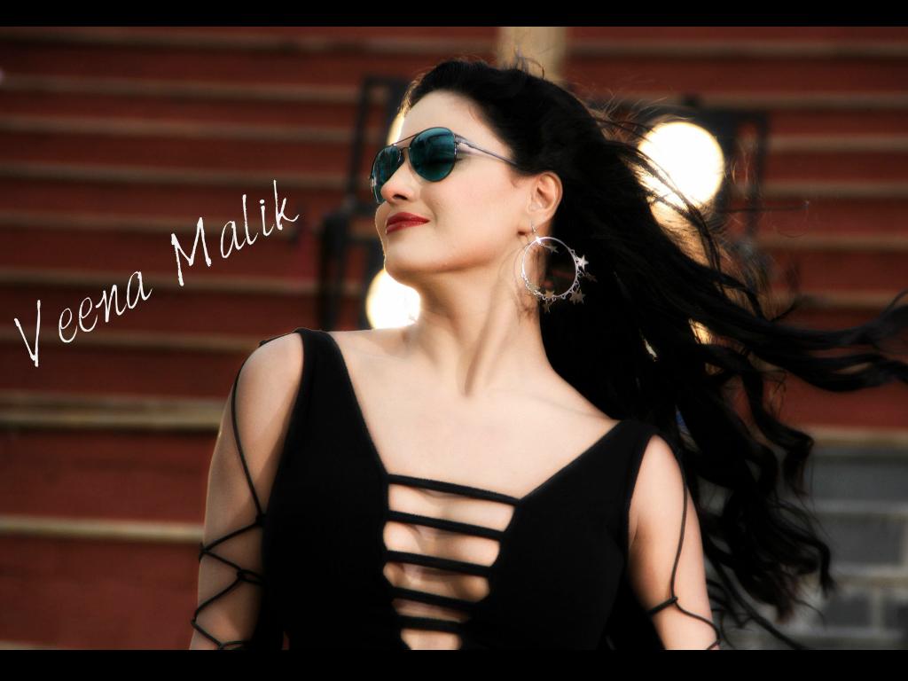 Veena Malik Hq Wallpapers Veena Malik Wallpapers 9884 Oneindia