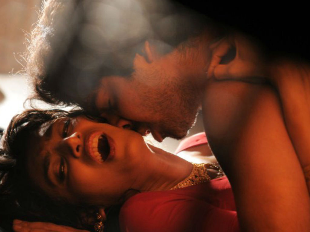 Hot Tamil Wife Sucking Hubby's Dick And Gets Cumshot