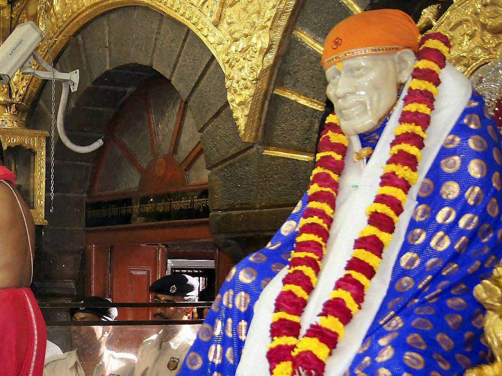 Fantastic Wallpaper Lord Sai Baba - sai-baba-of-shirdi-wallpaper_138536284120  Image_263553.jpg