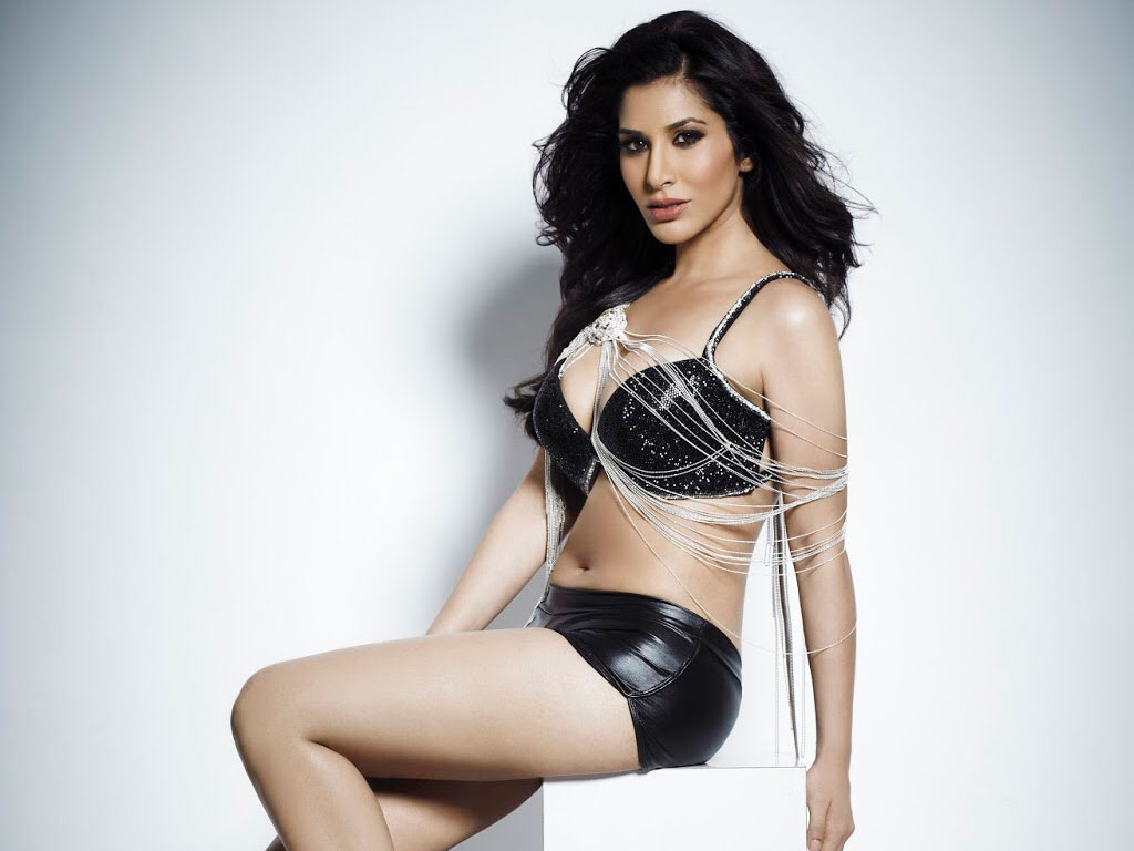 Sophie Choudry Sophie Choudry new images