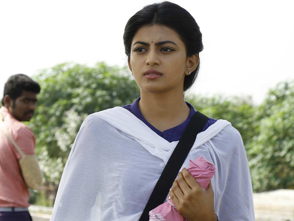 anandhi hq wallpapers anandhi wallpapers 38812 oneindia wallpapers